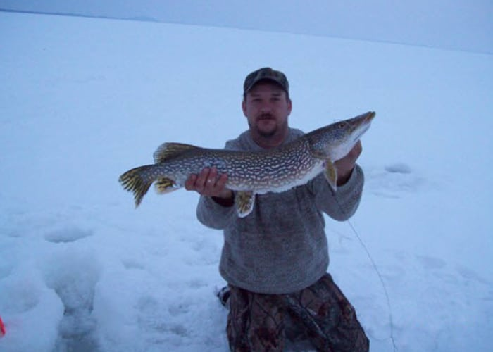 pike ice fishing guide green bay