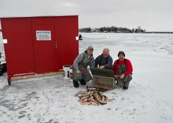 sturgeon bay ice fishing with guide